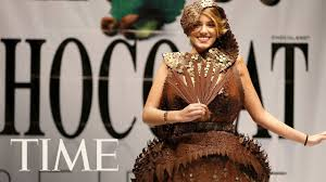 chocolate fashion show 2017 the finest chocolate dresses by