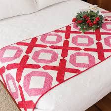 go hugs and kisses bed runner pattern accuquilt