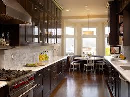 Brown Kitchen Cabinets Design Ideas - Brown cabinets kitchen