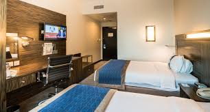 does holiday inn have room service home decor interior exterior