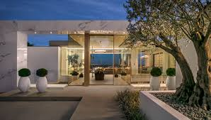 Beverly Hills Celebrity Homes by Beverly Hills U0027 Most Expensive Home Includes Gold Cars And 3
