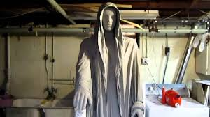 creepy halloween graveyard statue youtube