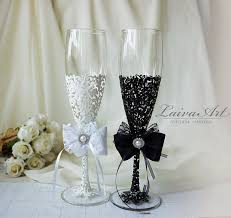 wedding glasses wedding chagne flutes black white wedding chagne glasses
