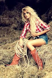 country hairstyles for long hair chic ways to wear the cowgirl fashion style glam radar