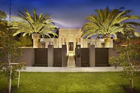 luxury home ideas with large simple lawn and palm plants using