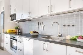 peindre un plan de travail cuisine rénov cuisine peinture meubles de cuisine et multi surfaces