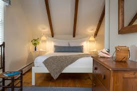 Larger Bedrooms Ways To Make A Small Bedroom Look Bigger