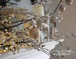 White Christmas Mantel Decorations by 36 Best White Holiday Decorating Images On Pinterest Christmas