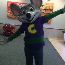 chuck e cheese s employee benefits and perks glassdoor