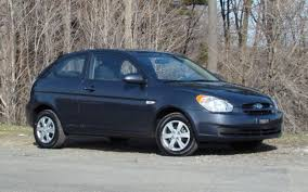2009 hyundai accent reliability 2009 hyundai accent 9 995 reasons to get one the car guide