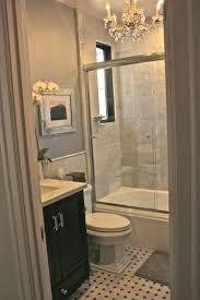 Bath Ideas For Small Bathrooms by Best 20 Small Bathroom Layout Ideas On Pinterest Tiny Bathrooms