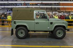 range rover defender 1990 final land rover defender rolls off assembly line