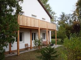 holzgelã nder balkon wohnzimmerz holz balkon with stahlbau schlosserei und schmiede