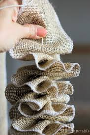Decoration Material For Christmas Tree by Best 25 Burlap Christmas Decorations Ideas On Pinterest Burlap