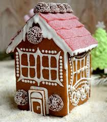 7 sweet gingerbread houses to make from a kit from scratch or