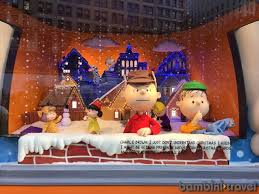 Window Decorations For Christmas In Nyc by 5 New York City Christmas Events For Families With Little Kids