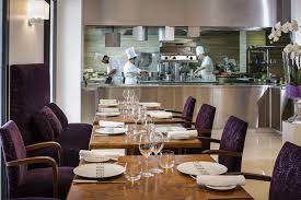 restaurant cuisine ouverte restaurant méditerrannéen promenade des anglais