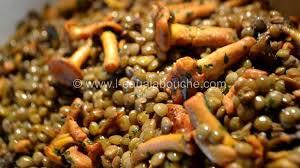 cuisiner des chanterelles lentilles aux chanterelles recette par l eau à la bouche