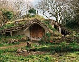 real hobbit house a real hobbit house in england wow the unusual pinterest