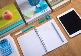 bureau rangé bureau rangé d étudiant image stock image du cahier 47277529