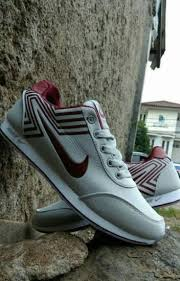 Sepatu Nike grosir sepatu nike wanita terbaru 081298380434 telkomsel ngusman