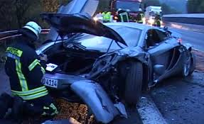 p1 crash mclaren mp4 12c dodge viper acr in high speed autobahn crash
