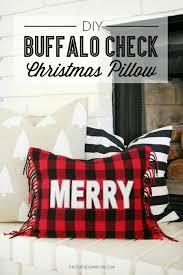 bake craft sew decorate diy buffalo check pillow christmas