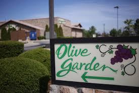 olive garden olive garden cooks up large portion of darden restaurants q2