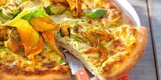cuisiner les fleurs de courgette pizza aux fleurs de courgette facile et pas cher recette sur