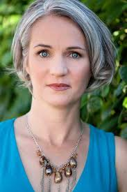fuss free short hairstyles for women over 40 grey highlights for more style inspiration visit 40plusstyle com