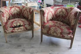 comment retapisser un canapé fauteuils tonneaux à retapisser look fauteuil et technique