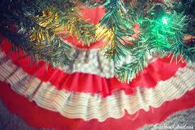 ruffle christmas tree skirt tutorial the ribbon retreat blog