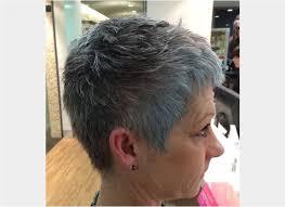 modele coupe de cheveux court femme 50 ans modele coiffure courte femme 50 ans pixie gris pour plus de 50 ans