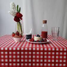 nappe en coton enduit nappe coton enduit guinguette rouge carrée 160x160 fleur de soleil