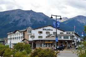 the 8 most beautiful towns in alberta canada