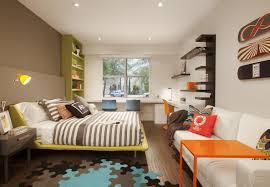 Wandgestaltung Braun Ideen Babyzimmer Wand Streifen Pastellfarben Junge Lustige Dschungel