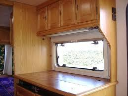 cuisine caravane meuble cuisine caravane la caravane tabbert comtesse 450 voyages