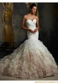 robe de mari e magnifique robe de mariée magnifique originale 2013 avec traîne drapé