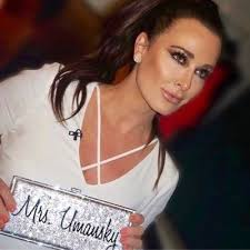 kyle richards needs to cut her hair https pbs twimg com profile images 8521518149884