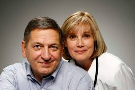 Family At Thanksgiving Dinner Family Members To Avoid At Thanksgiving Dinner Your Parents
