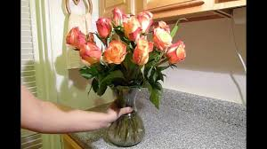 How To Arrange How To Arrange Roses In A Flower Vase Youtube