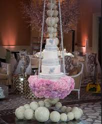 wedding cakes dallas suspended wedding cakes the most unique wedding cake trend of