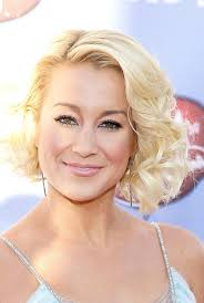 kellie pickler short haircut kellie pickler short wavy curly bob hairstyle for oval faces