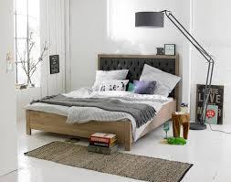 hocker schlafzimmer schlafzimmer in natürlichen farbtönen bett hocker