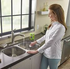 what s the best thing to clean kitchen cabinets with 27 things that ll make your kitchen the cleanest place on earth