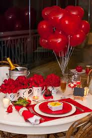 valentine dinner table decorations valentine s day dinner table setting with roses and balloons