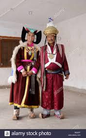 ladakh clothing ladakhi wearing traditional costumes leh ladakh