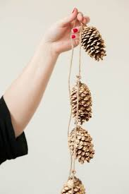 pinecone garland 55 awesome outdoor and indoor pinecone decorations for christmas