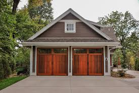 Garages That Look Like Barns by Carriage House Overlay Chi Overhead Doors
