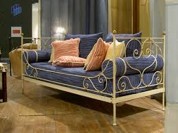 trasformare un letto in un divano divani fai da te tante idee originali eticamente net